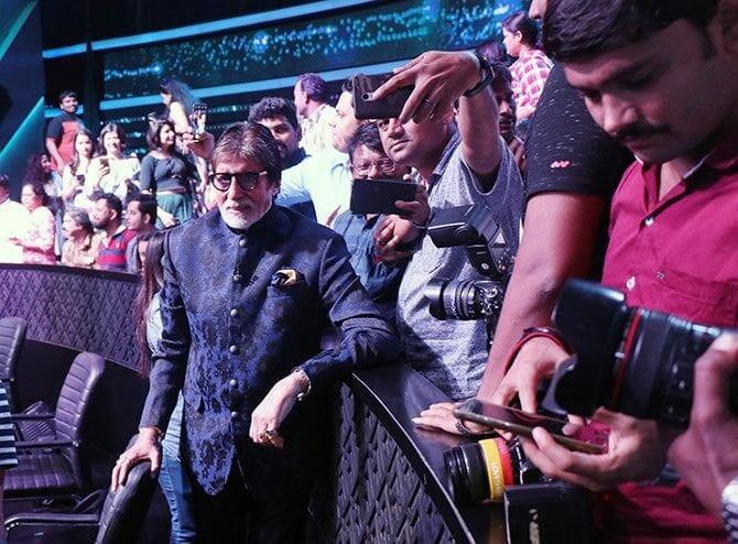Amitabh Bachchan Admires Efforts of Those Behind the Scenes