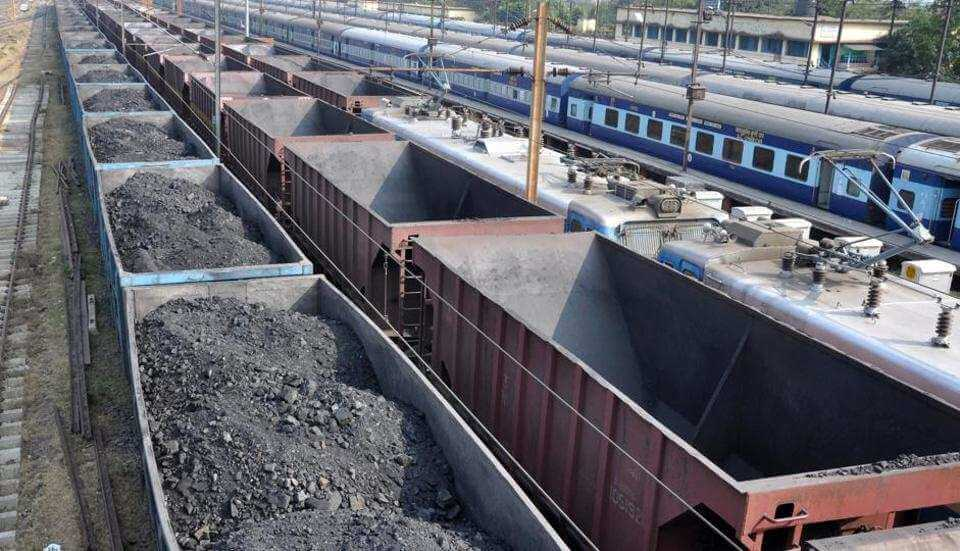 Indian Railways Suffers as Private Players Fail to Meet Wagon Delivery Targets