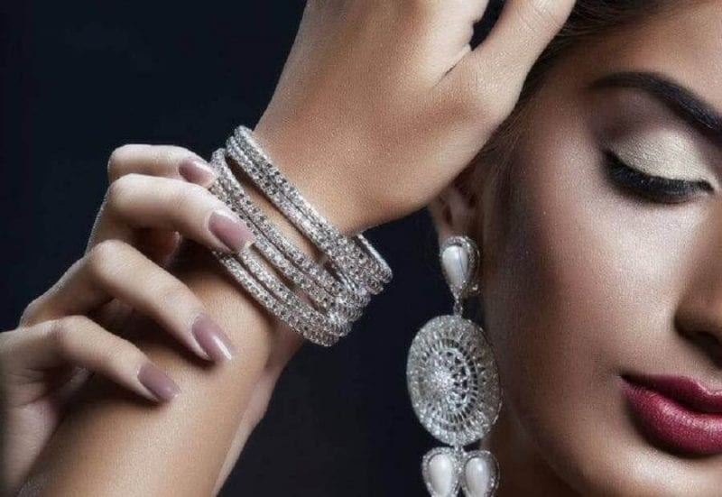 Make Smart Jewellery Choice For This Diwali