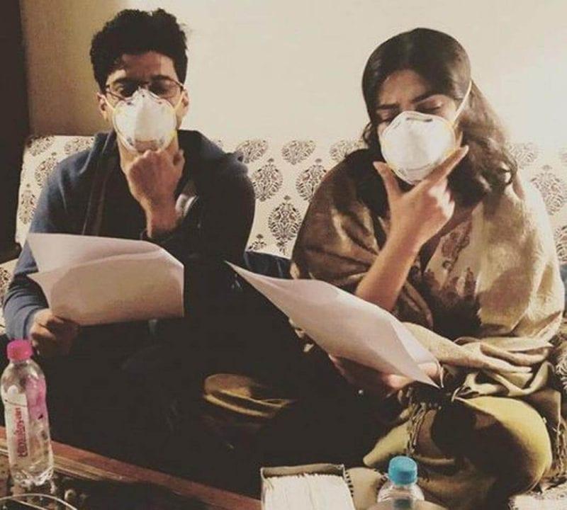 Farhan Akhtar, Priyanka Chopra Beat Delhi Pollution with Masks