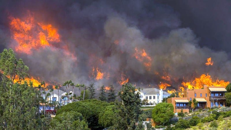 Hollywood Celebrities Flee Homes to Escape California Wildfire