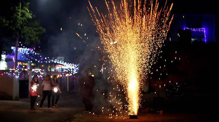 Supreme Court allows bursting of firecrackers from 8 pm to 10 pm
