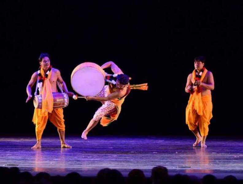 Manipuri dance troupe takes part in International Festival