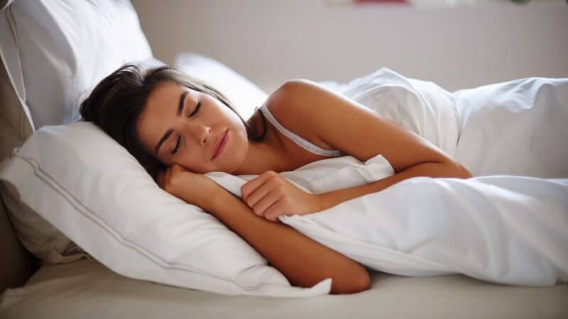 A New Study Warns: Excess or Poor Sleep linked to Heart Disease, Death