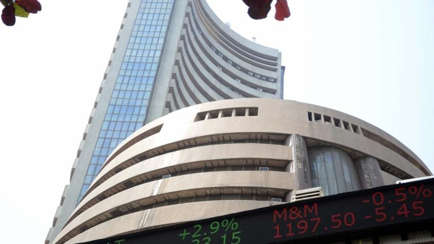 Global Cues, RBI Policy Stance Drag Equity Indices Lower