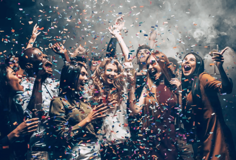 5 Things To Know For The Perfect New Year Eve House Party