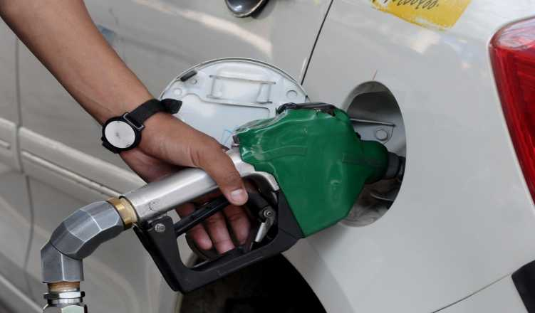 Petrol touches new low for 2018, below Rs 69 in Delhi