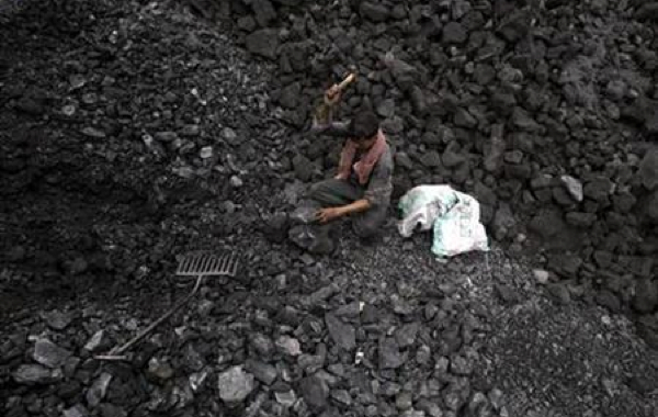 Tools used for illegal coal mining seized in Hamren