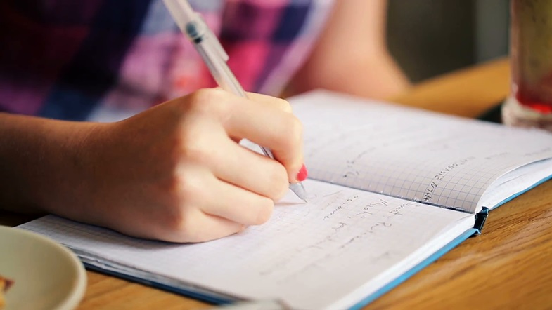 Students Unable to Write a Name, Survey Reveals