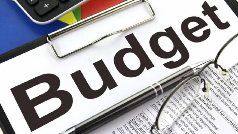 Budget Fails To Uplift Sentiments, Sensex Tanks Over 390 Points