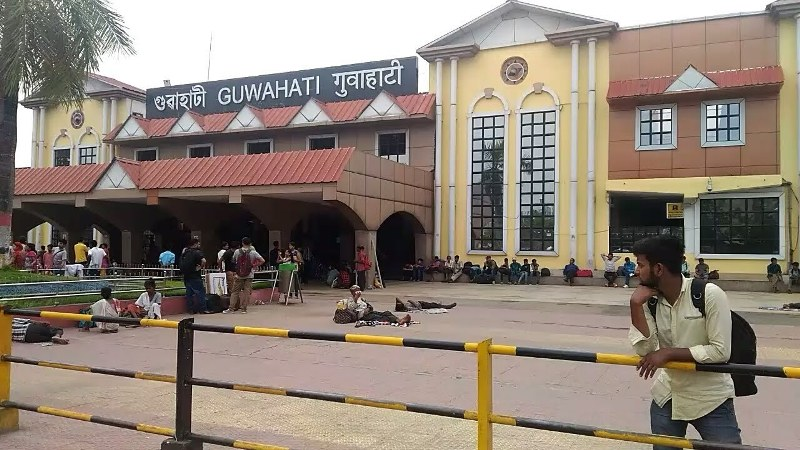 Security lapse in Railway station?