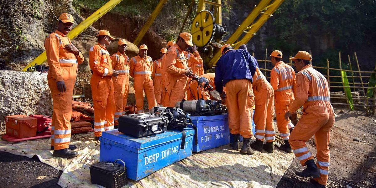 Take 'prompt' steps to rescue trapped miners: Supreme Court