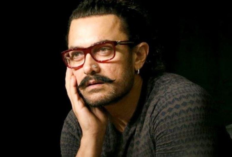 Aamir Khan Runs Into Chiranjeevi, Calls Him Inspiration