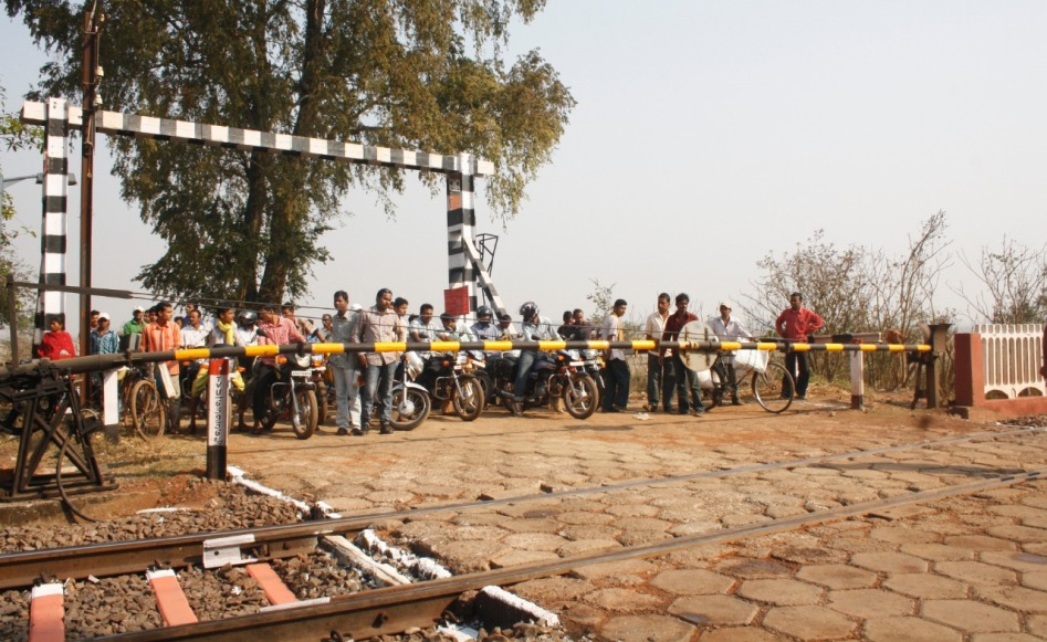 East Coast Railway (ECoR) initiates safety audit of all level crossings