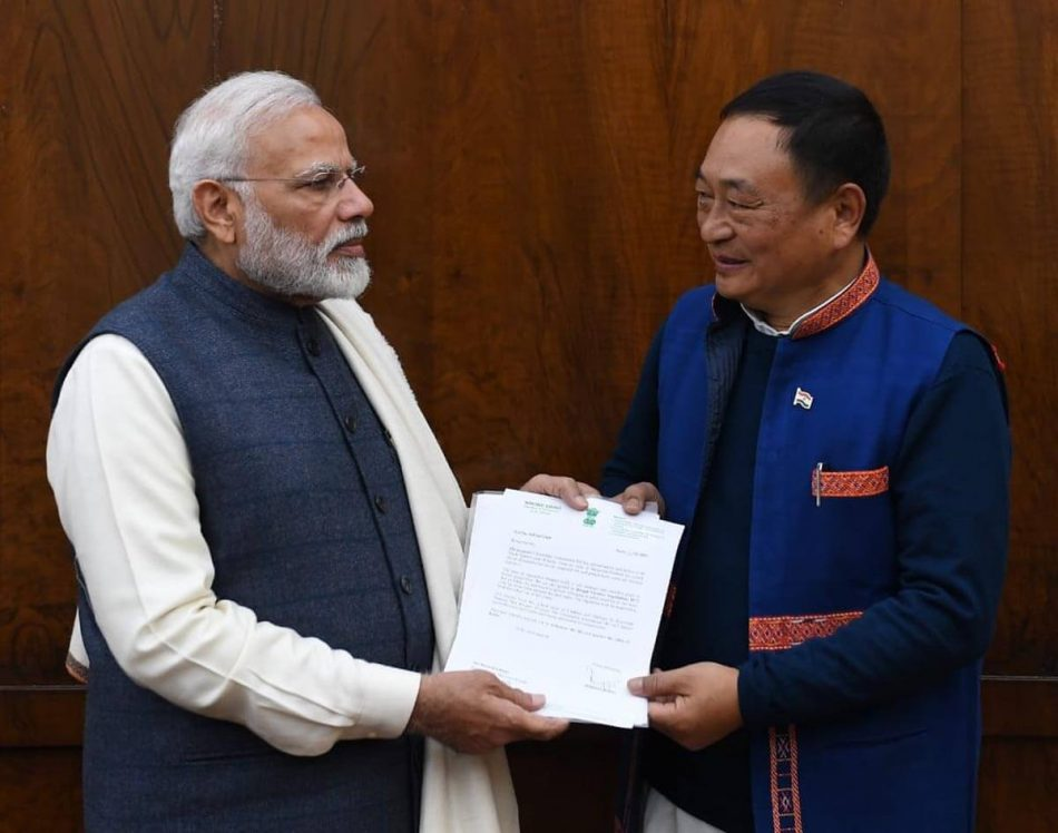 Ering moves PM over CAB, submits memo