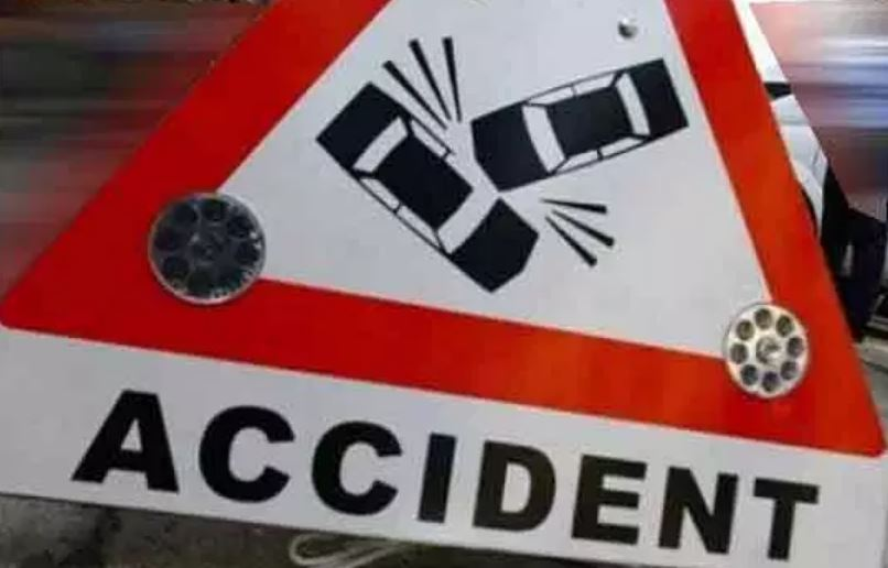 Two dead in road mishap