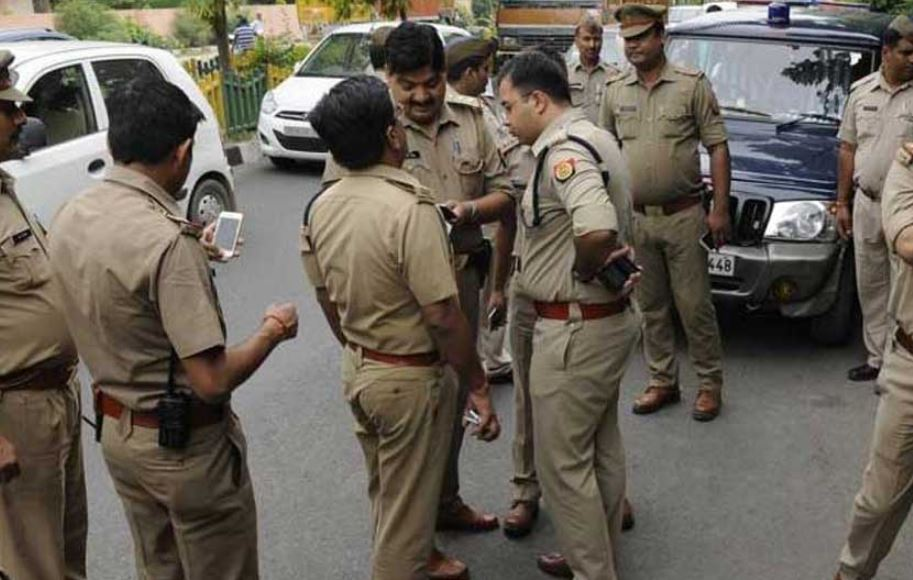 Five injured in Assam Police lathicharge