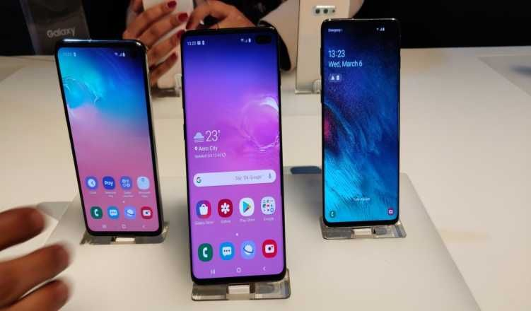 Global smartphone shipments to fall for third consecutive year