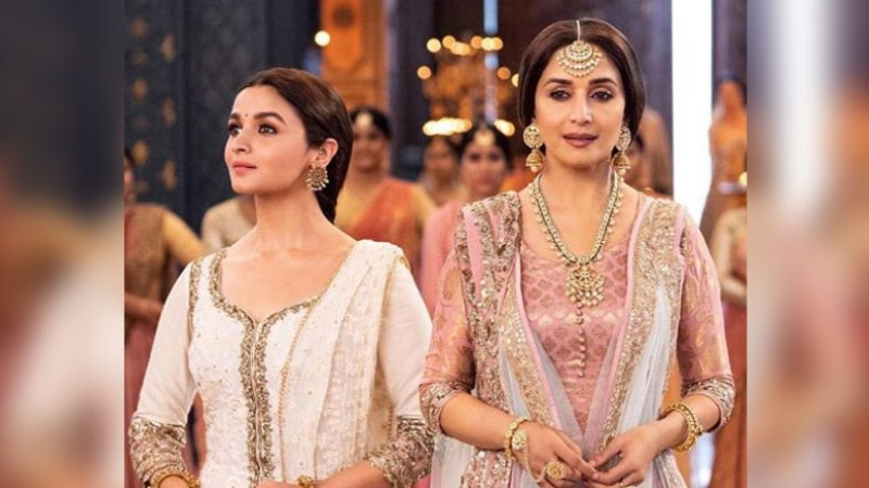Madhuri Dixit Lauds Kalank Co-Star Alia Bhatt, Says She Reminds Her of Herself