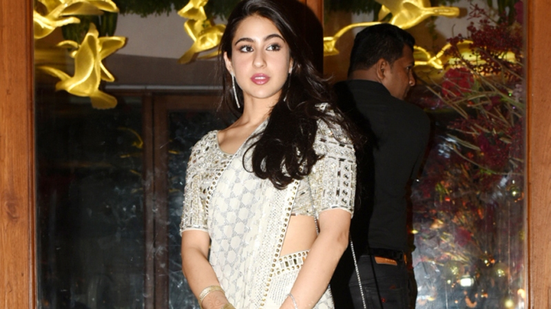 Sara Ali Khan Says My Mother Made It Easy To Love And Accept Kareena Kapoor