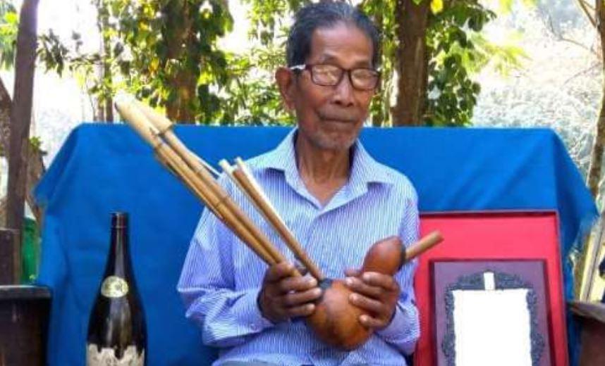 Defying poverty, Tripura artist gets Padma Shri for promoting rare musical instrument
