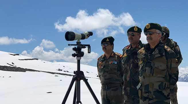 General Officer Commanding-in-Chief Lt Gen MM Naravane reviews security in State