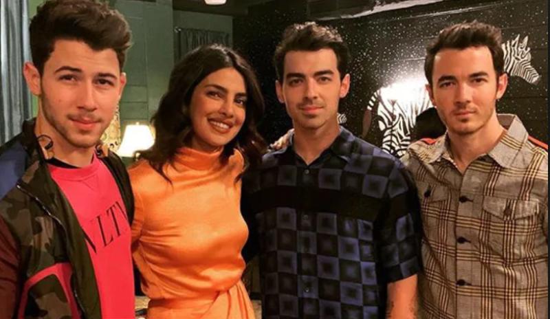 Priyanka Chopra Jonas Attends First Jonas Brothers Concert