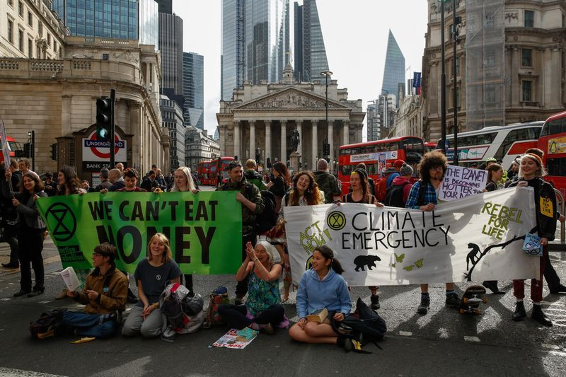 Climate Protesters Block London Stock Exchange