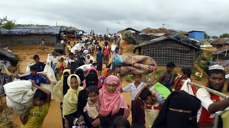 Rohingya Refugees Assemble in Bid to Sneak into India