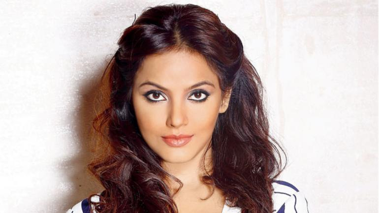 'Fitness Doesn't Mean Fad Diet' Says Neetu Chandra