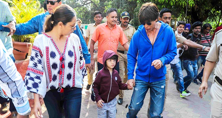 Shah Rukh Khan Shows AbRam Difference Between Boating, Voting