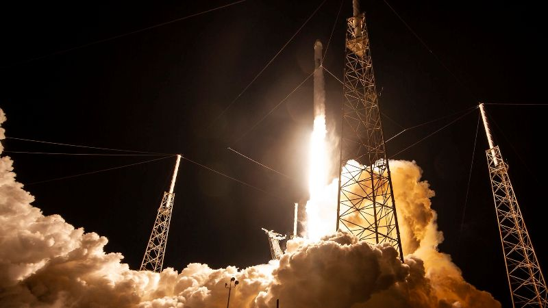 SpaceX Launches Internet-Beaming 60 Starlink Satellites