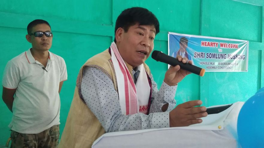 MLA Somlung Mossang Felicitates 715 Teaching And Non-Teaching Staff