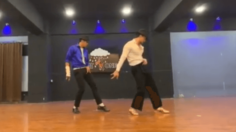 Steps of Michael Jackson, Tune of Ranveer: Tiger Shroff Pays Tribute To The Dancing Legend In This Video
