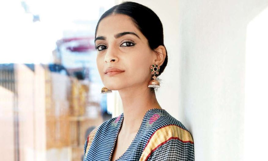 Actress Sonam Kapoor Ahuja defends Jahnvi Kapoor after Katrina's comment