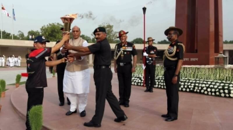 Kargil Vijay Diwas:  Defence Minister Rajnath Singh Lights Victory Flame In Delhi