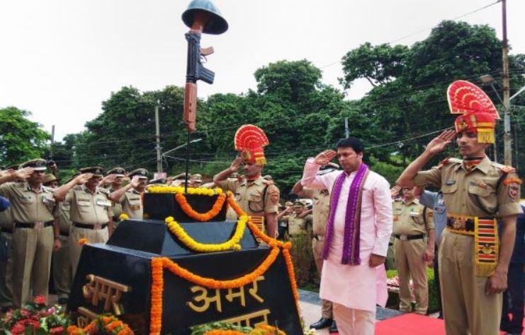 Tripura CM Biplab Kumar Deb Pays Tribute to Kargil Martyrs