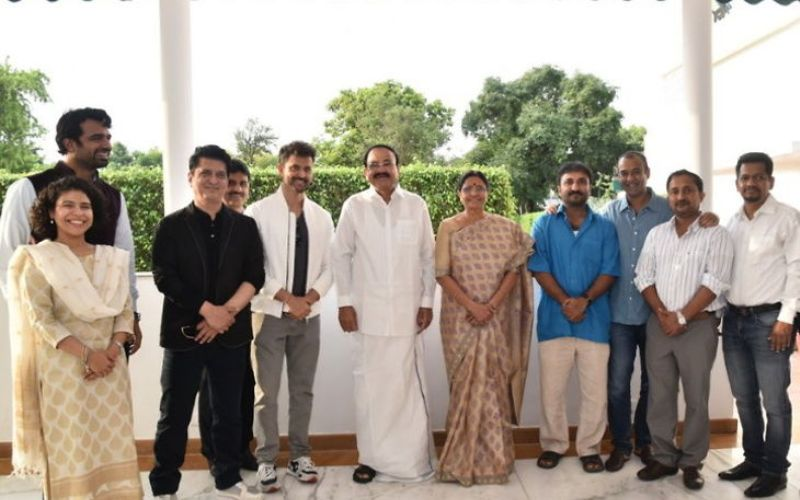Venkaiah Naidu Watches Super 30 With Hrithik Roshan, Anand Kumar