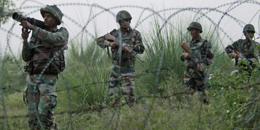 Pakistan Moves 2,000 Soldiers within 30 km of Line of