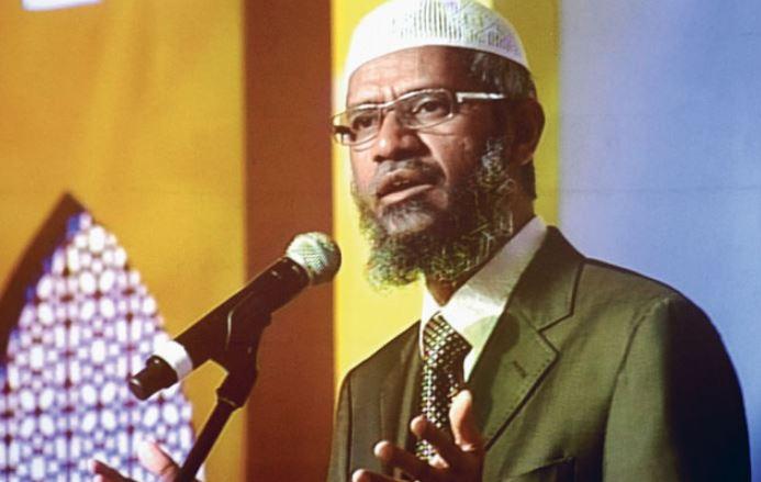 Controversial Islamic Preacher Zakir Naik in Soup over Racial Speeches