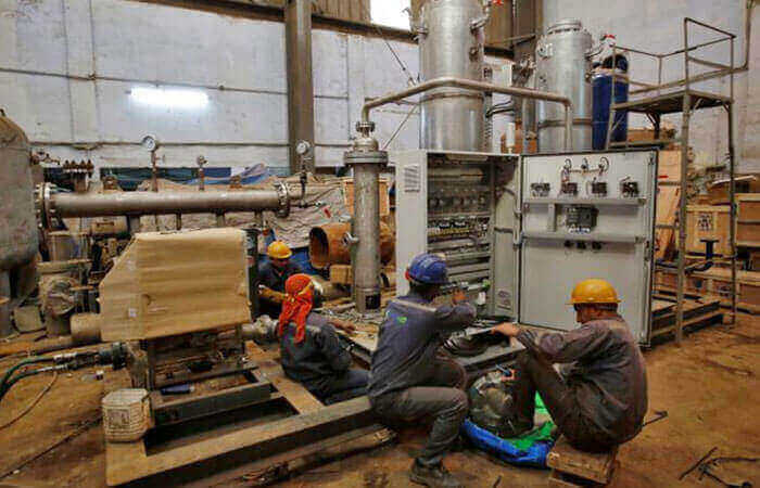 Manufacturing Dip Pulls Indias Q1 Growth Rate to 5%