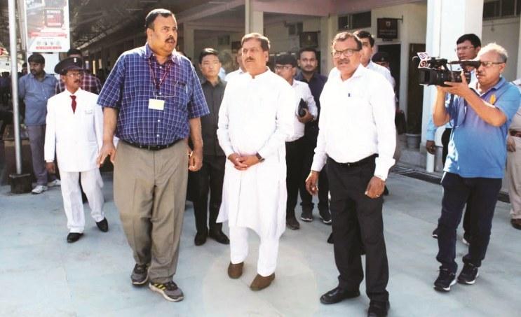 Railways Minister Suresh Angadi Assures ToFast-track Railway Projects