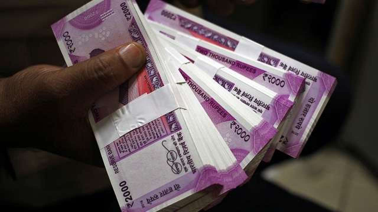 Hoarding Unaccounted Cash High in Rs 2000 Notes, Claims Centre