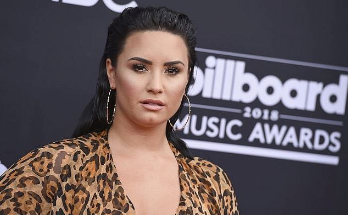 Demi Lovato Sorry about Free Israel Trip after Facing Fan Flak