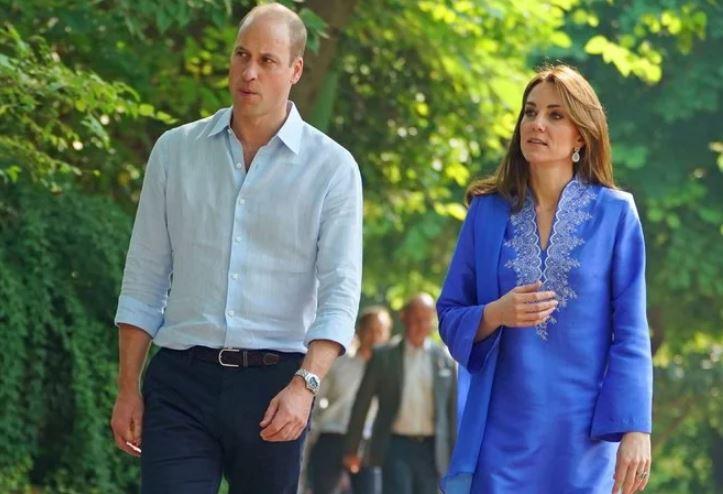 Kate Middleton Dons Traditional Kurta in Pakistan