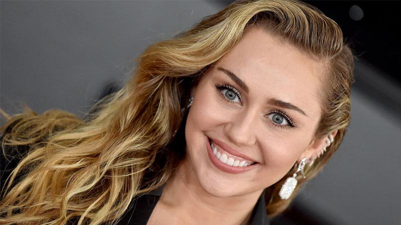 Popstar Miley Cyrus struggles with anxiety for COVID-19 Pandemic