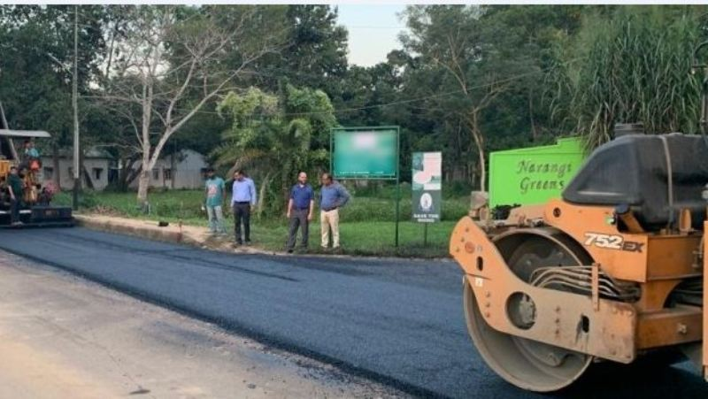 Army uses plastic waste to build road at Narangi Military Station