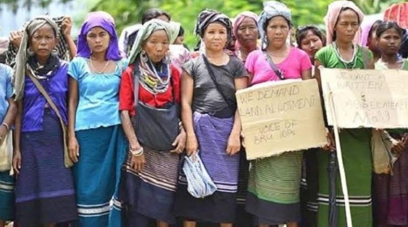 Reang Refugees Continue Road Blockade in Tripura