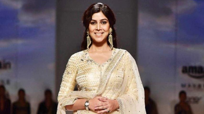 'Important for Girls to be Educated': Actress Sakshi Tanwar