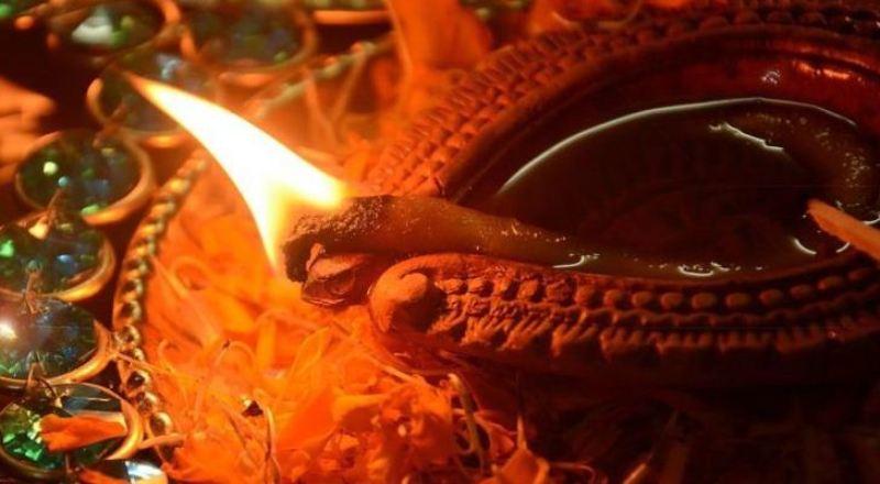 Lucknow to celebrate 'Dev Deepawali' by lighting up over Six Lakh Diyas